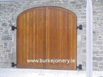 pic_Set-of-teak-gates-and-doors-1-Battle-of-the-Boyne_lg