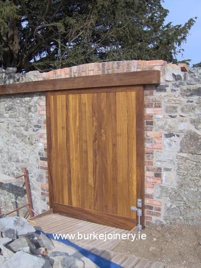 pic_Set-of-teak-gates-and-doors-9-Battle-of-the-Boyne_lg