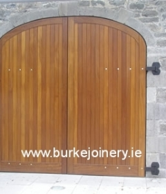 pic_Set-of-teak-gates-and-doors-1-Battle-of-the-Boyne_lg